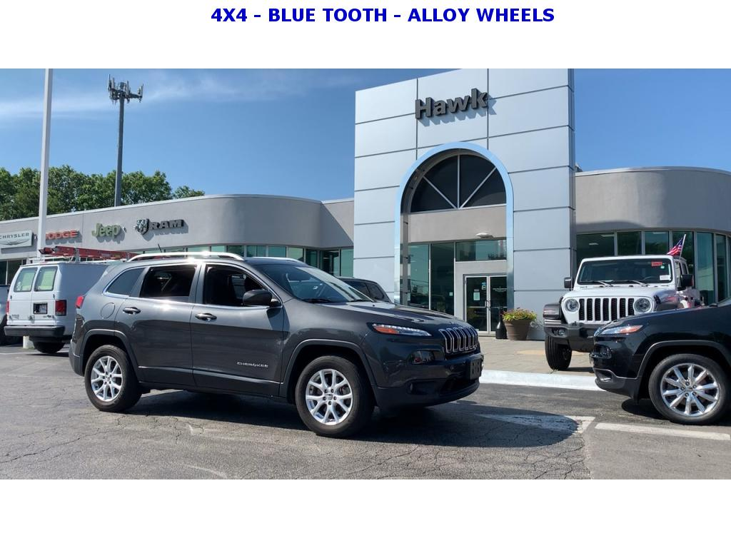 Pre-Owned 2016 Jeep Cherokee AWD Latitude