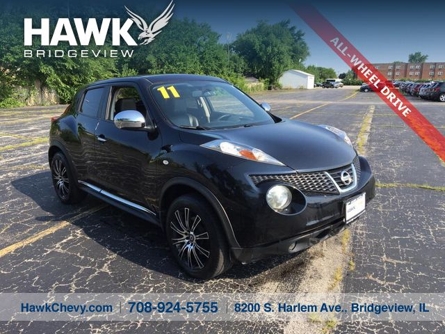 PRE-OWNED 2011 NISSAN JUKE SL WITH NAVIGATION & AWD