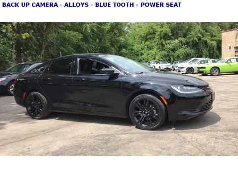 Pre-Owned 2017 Chrysler 200 Touring