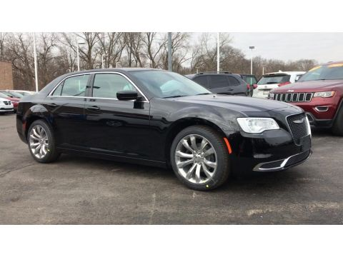 New 2019 CHRYSLER 300 Touring L