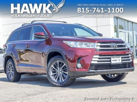 Pre-Owned 2017 Toyota Highlander 4WD XLE